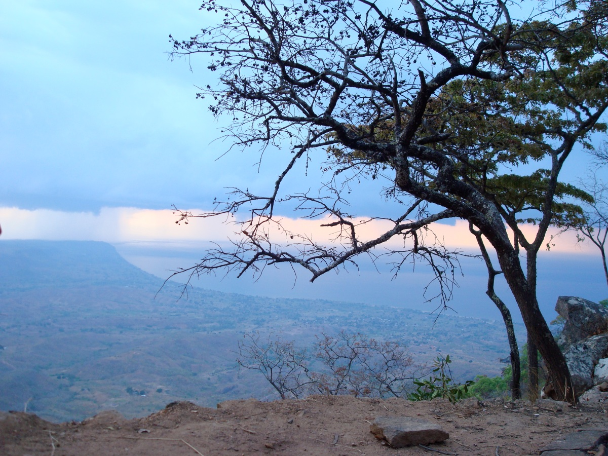 morning-storm-over-lake-malawi_4200849624_o
